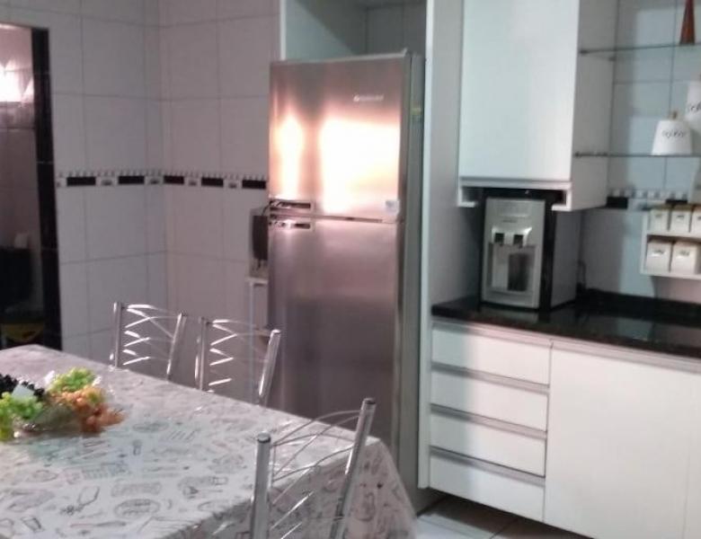 Casa no Agamenom - Por trás do Hospital Regional - 2 quartos com garagem, e móveis planejados
